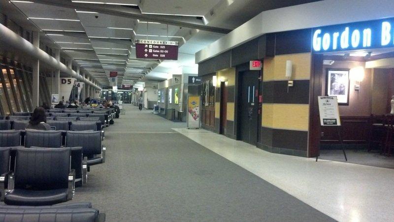 CLE Terminal D 01-001