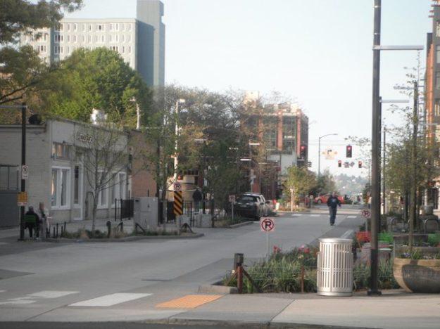 Bell Street green street