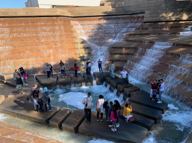 Fort Worth Water Gardens - the active pool