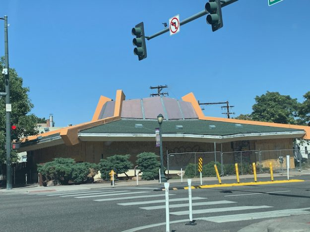 Tom's Diner: Googie architecture in Denver
