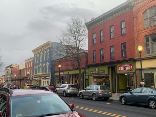Façade improved thanks to WV's film industry ?