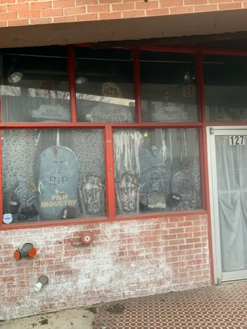 Storefront tribute to WV's dead film industry