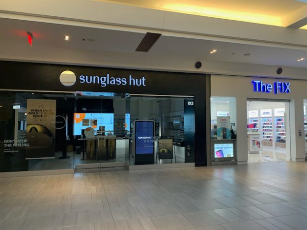 Closed (but not vacant) Sunglass Hut at Springfield Town Center