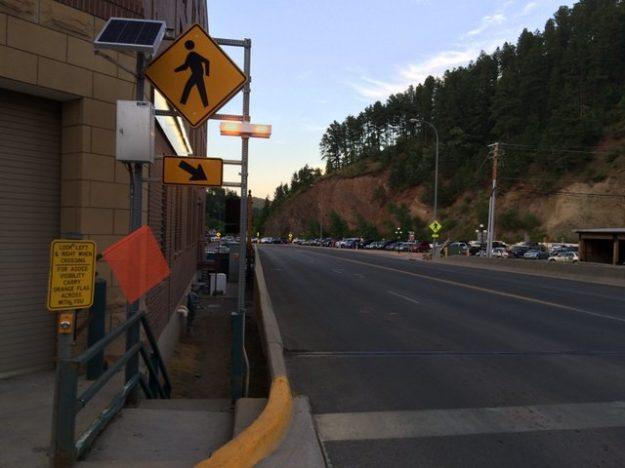 Deadwood flag crossing
