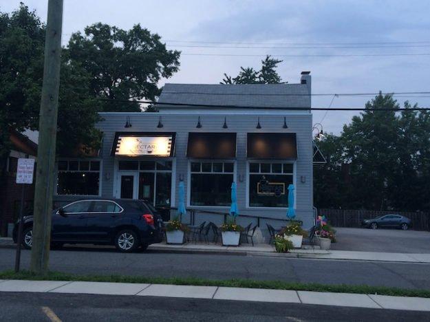 Nectar restaurant and house-bar in Del Ray, Alexandria