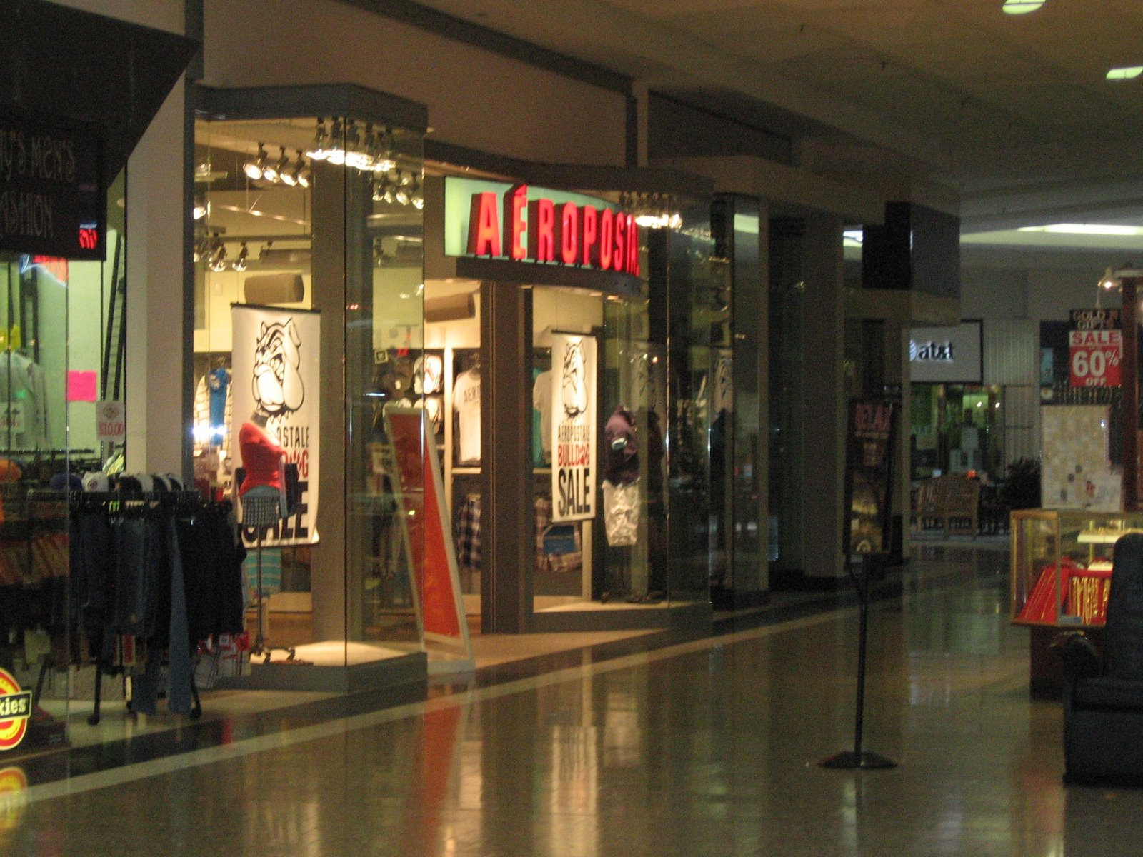 Downtown Iowa City Shoe Stores